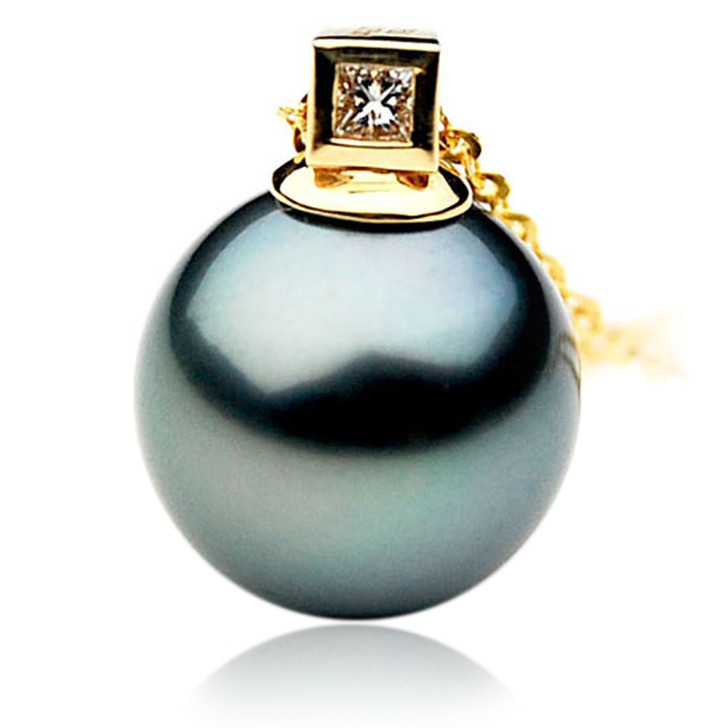 TP064 (AAA 13mm Tahitian Black pearl Pendant and Diamonds in 18k Gold)