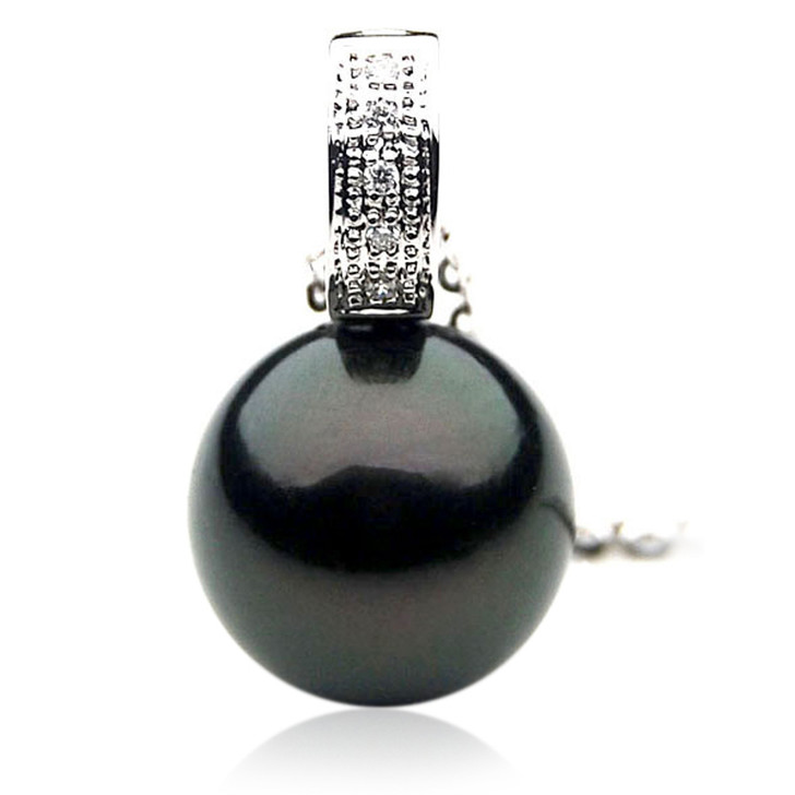 TP073 (AAA 13mm Tahitian Black pearl Pendant and Diamonds in 18k White Gold)