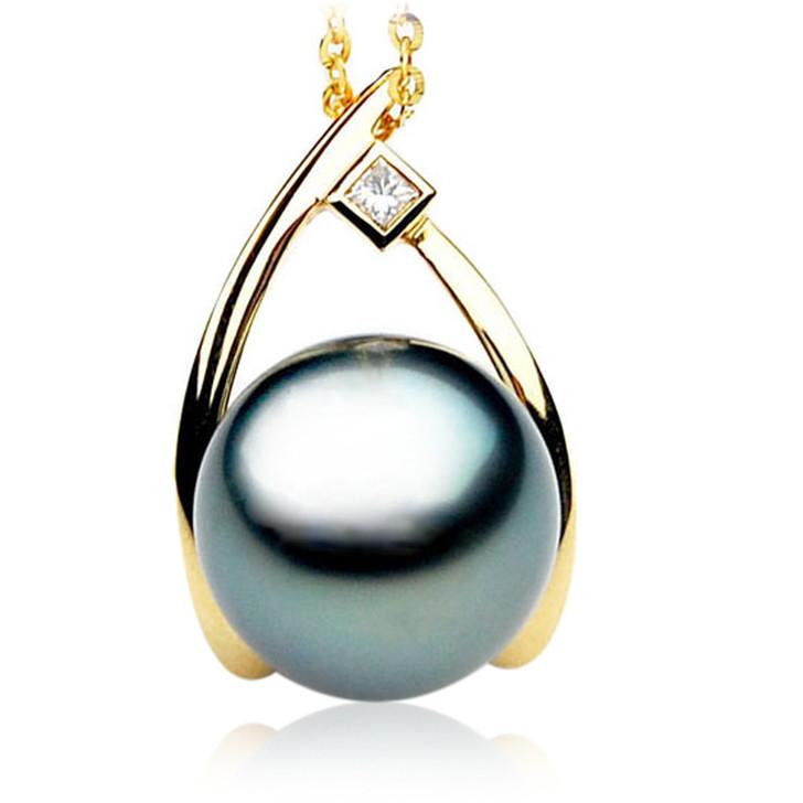 TP078 (AAA 13mm Tahitian Black pearl Pendant and Diamonds in 18k Gold)