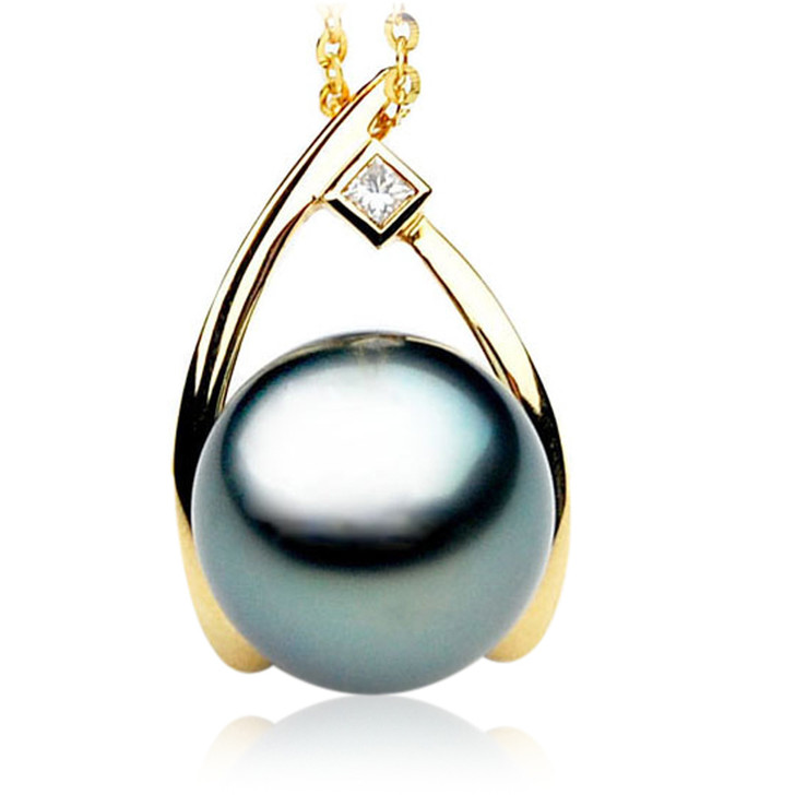 TP078 (AAA 13mm Tahitian Black pearl Pendant and Diamonds in 18k Gold)