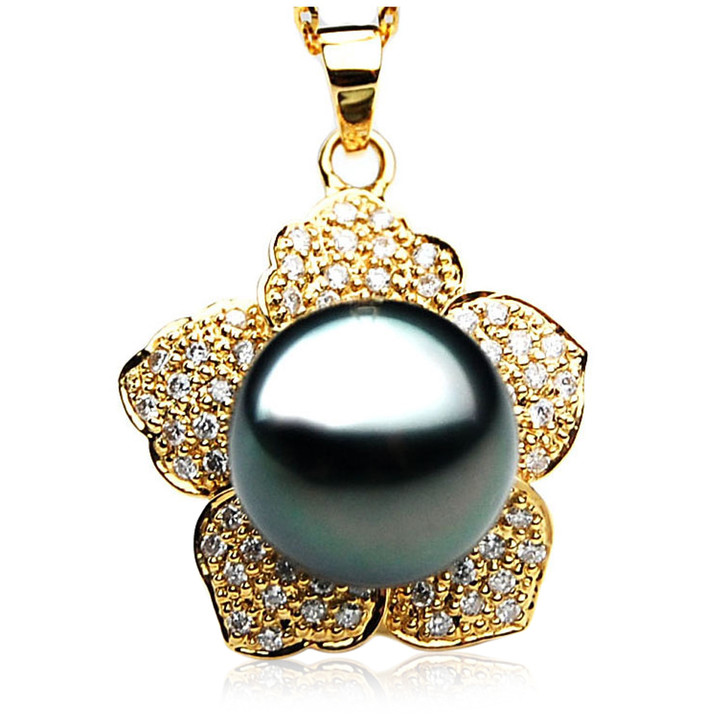 TP110 (AAA 14mm Tahitian Black pearl Pendant and Diamonds in 18k Gold)