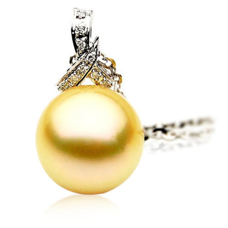 GP025 (AAA 12mm Australian Golden South Sea Pearl Pendant and Diamonds )