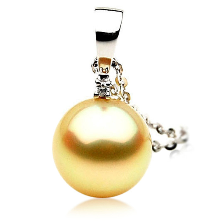 GP055 (AAA 13mm Australian Golden South Sea Pearl Pendant and Diamonds )