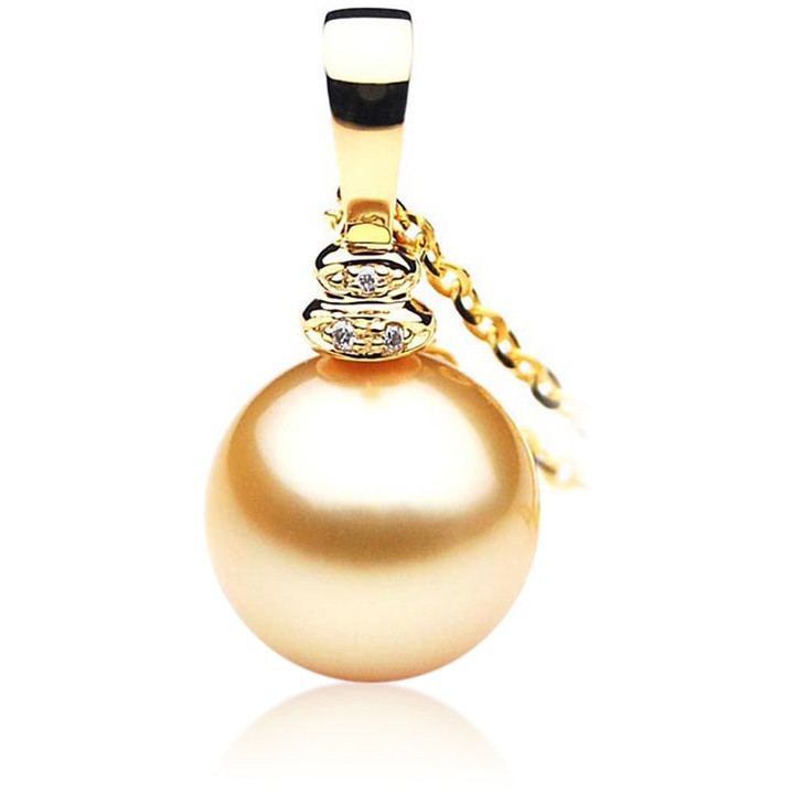 GP058 (AAA 13mm Australian Golden South Sea Pearl Pendant and Diamonds )