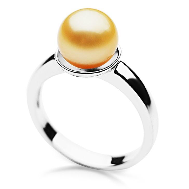 GR068 (AAA 9mm Australian Golden South Sea Pearl set in Silver)