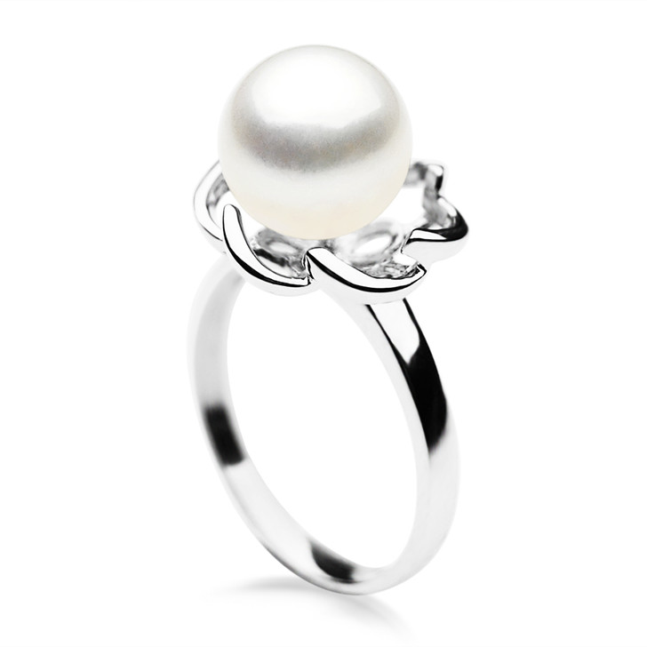 FR001  (AAA 9-10mm White Freshwater Cultured Pearl Ring set in Silver)