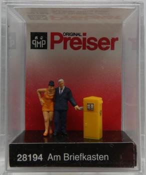 PREISER 28194 At The Mail Box 00/HO Model Figures