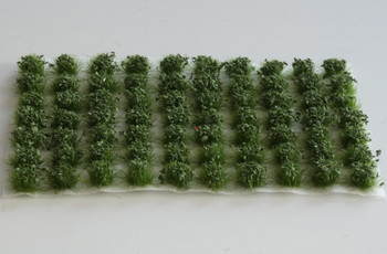 HSS 0422 - Self Adhesive Dark Green 'Leafy' Grass Tufts