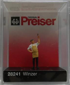 PREISER 28241 Wine Grower 00/HO Model Figure