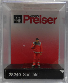 PREISER 28240 Paramedic 00/HO Model Figure