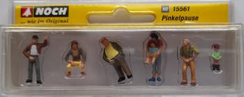 NOCH 15561 Pee Break 00/HO Model Figure Set