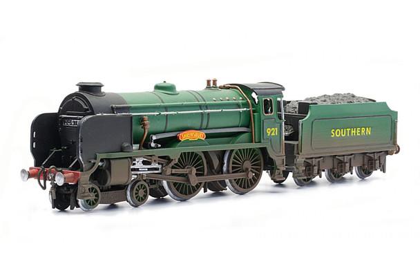 DAPOL C086 Schools Class 'Shrewsbury' Static Locomotive 00/H0 Plastic Kit