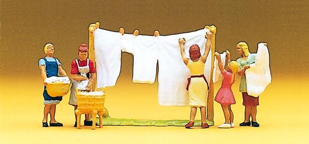 PREISER 10050 Women Hanging Laundry 00/HO Model Figures