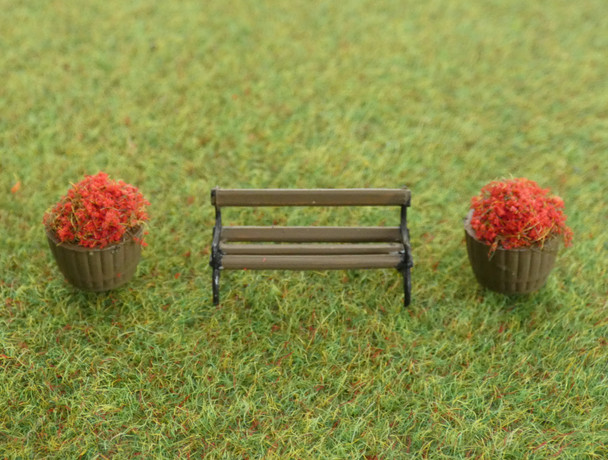 HSS BF2 Bench With 2 Flower Tubs 00/HO Gauge