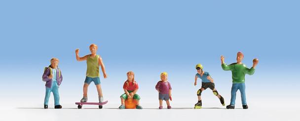NOCH 15810 Playing Children 00/HO Model Figure Set