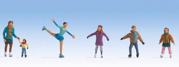 NOCH 15824 Ice Skaters 00/HO Model Figures