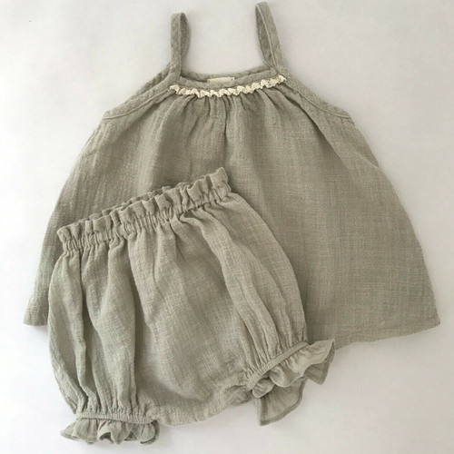 set bloomers strappy top, lace neckline gray girl