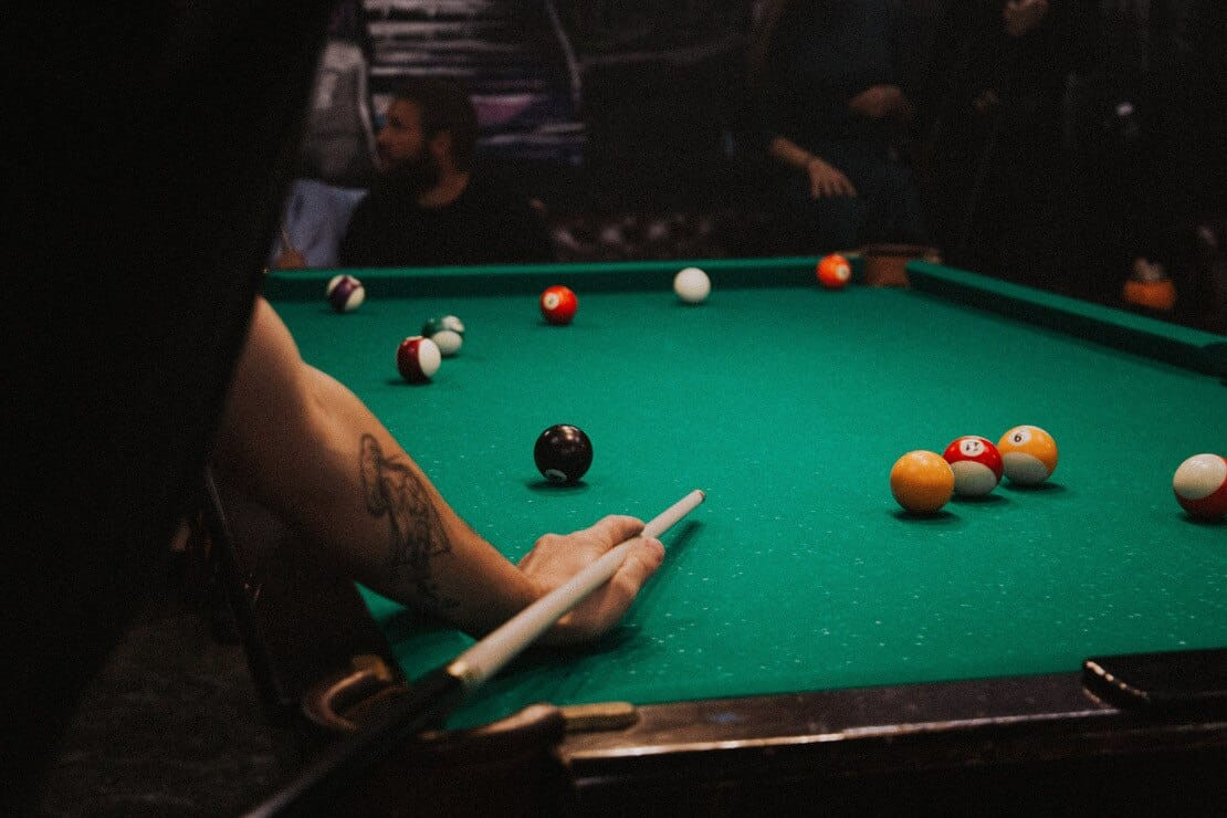 How to Select the Right Pool Table Size for Your Room