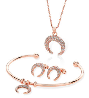 .Belle & Beau Crystal Rose Horn Set