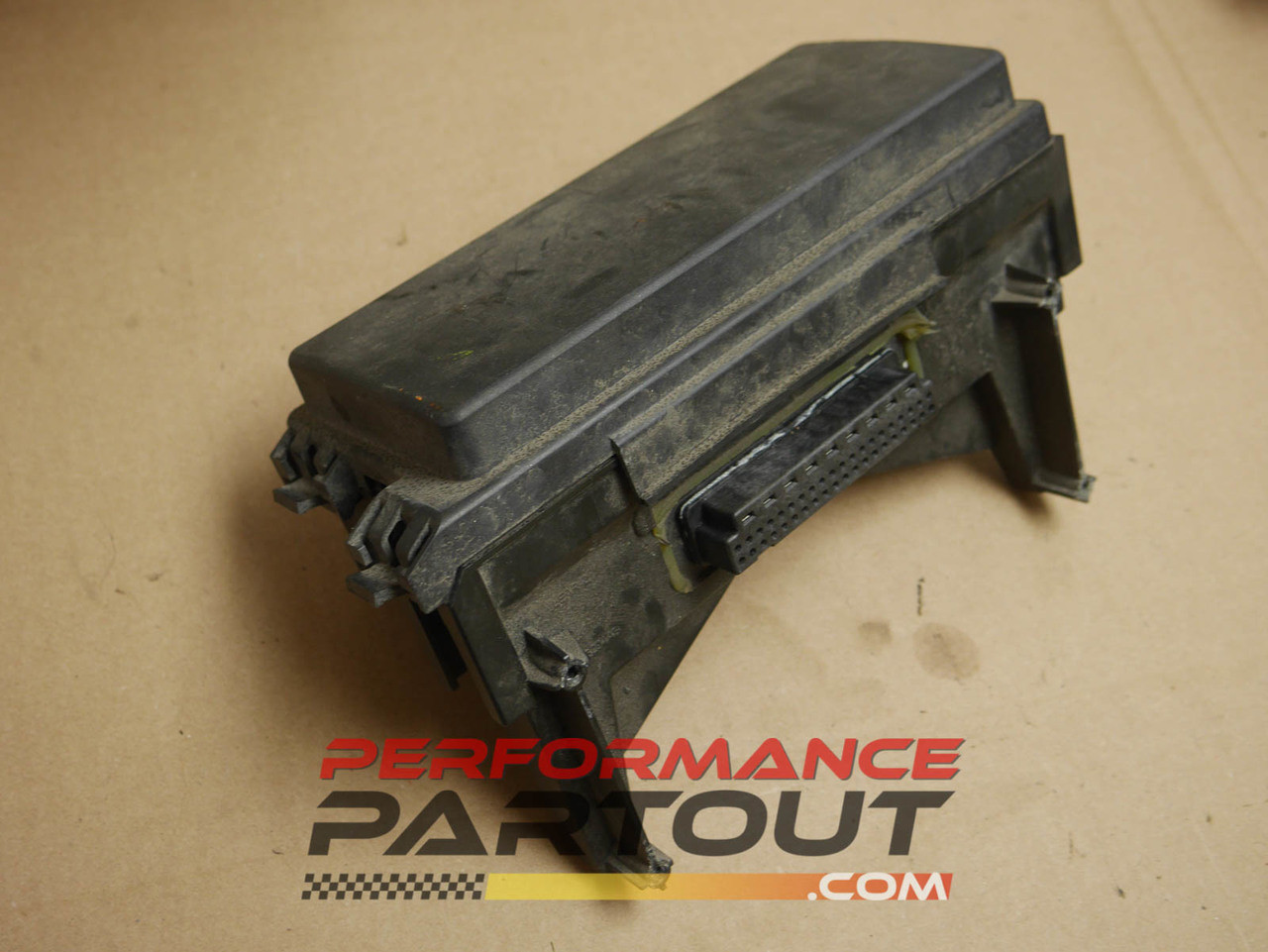Front end body fuse box junction Jeep Grand Cherokee 2005 04692072AA