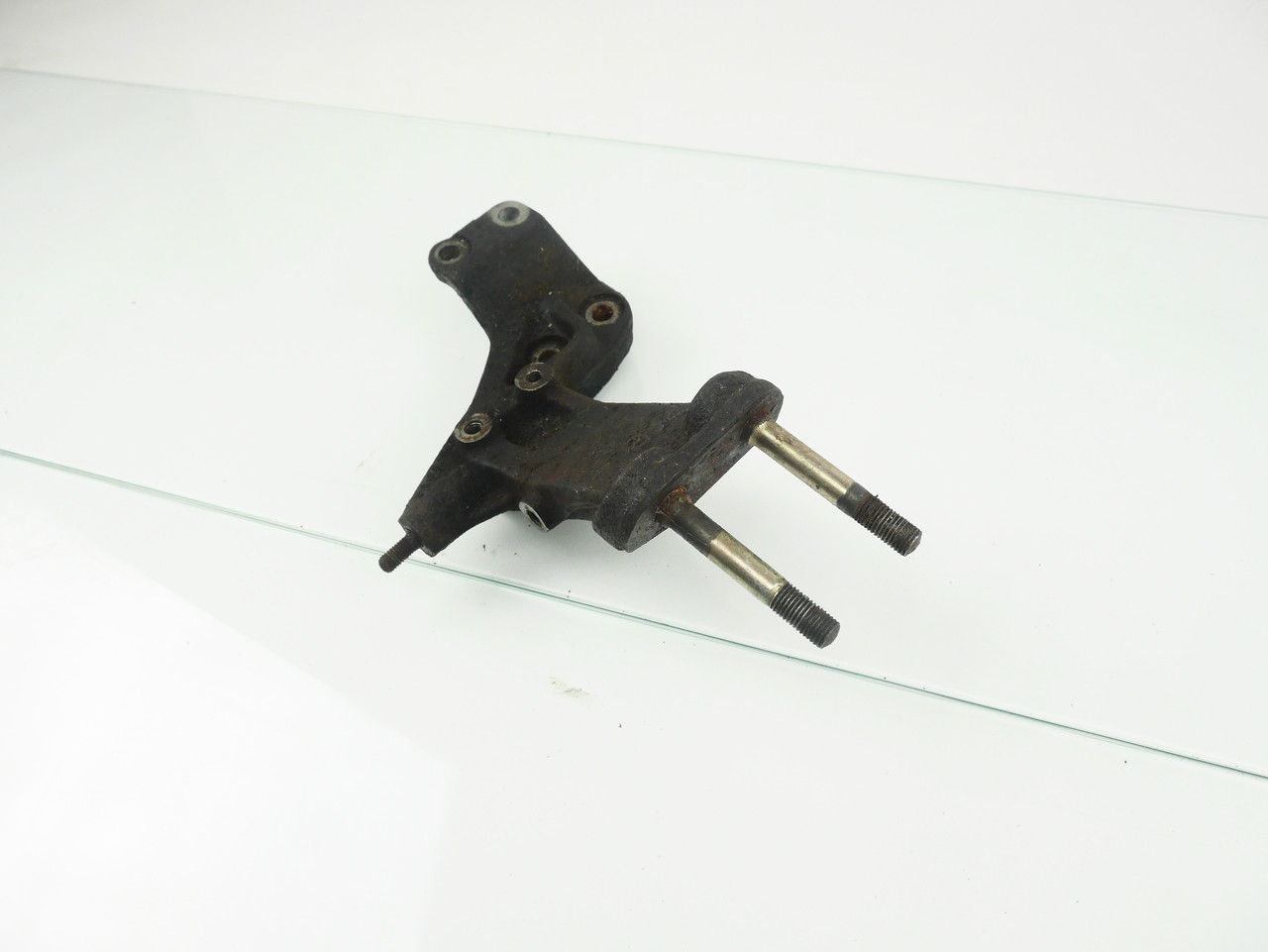 1G LH Engine Mount Bracket