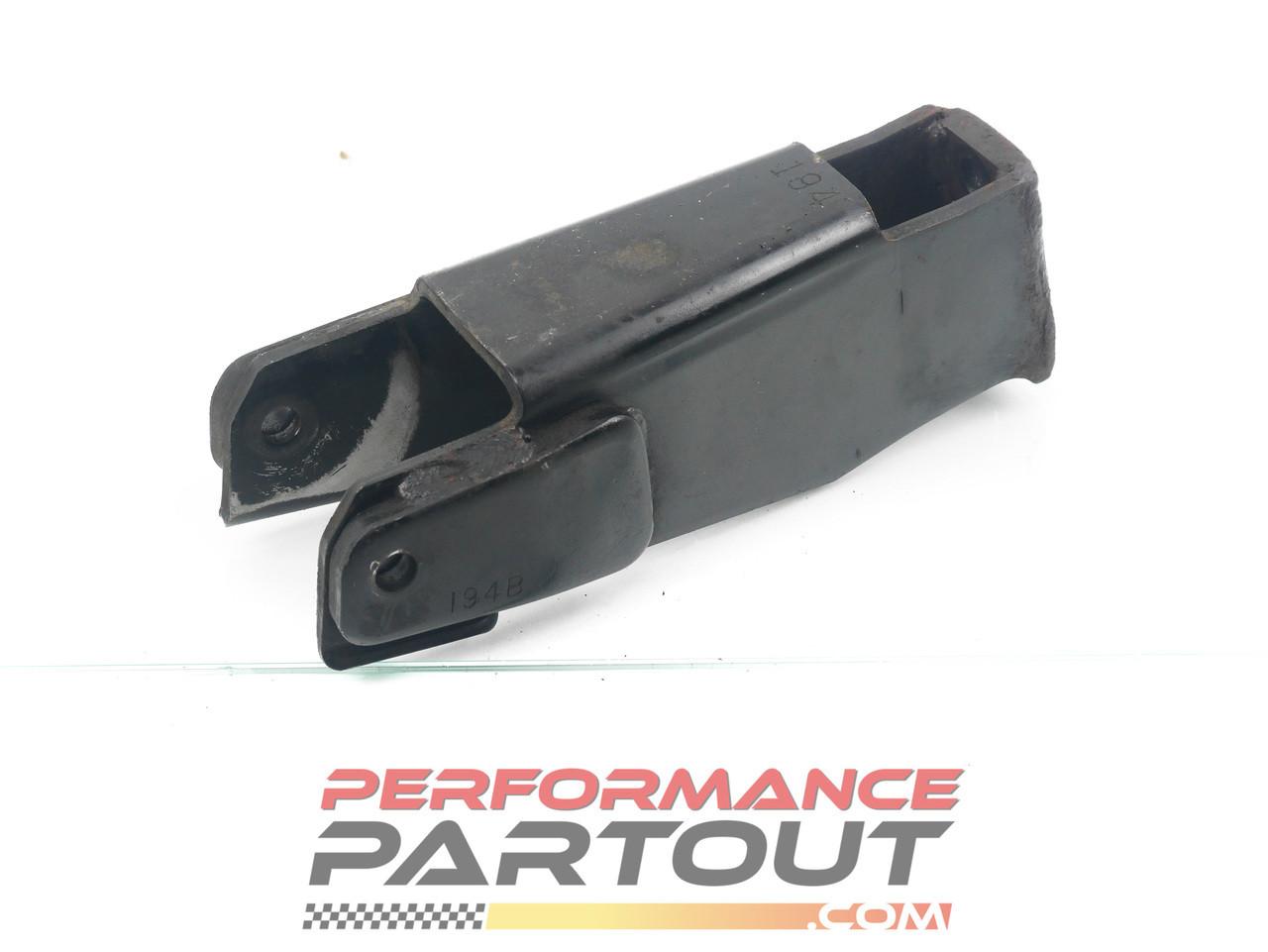 Engine mount bracket rear 1G AWD MT DSM 195