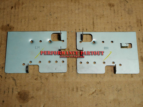 Radio mounting bracket set WRX 02-04