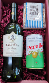 Sherry and Nibbles Gift Box