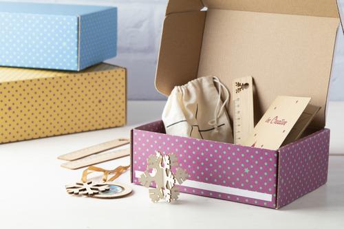 cutie cadouri personalizata full color dimensiune 200×150×75 mm
