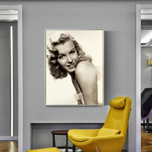Marilyn Figure Hollywood Vintage Framed Effigy Image Canvas Print for Room Wall Outfit