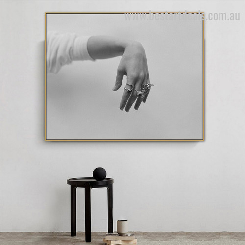 Lady Hand Abstract Figure Vintage Framed Painting Image Canvas Print for Room Wall Garnish