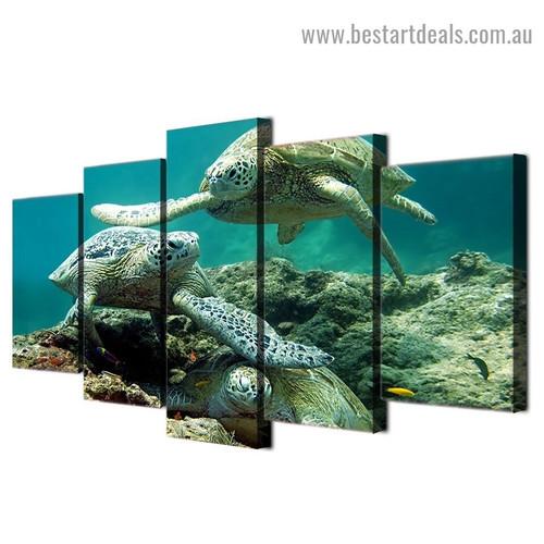 Underwater Sea Turtles Animal Seascape Modern Artwork Image Canvas Print for Room Wall Garniture