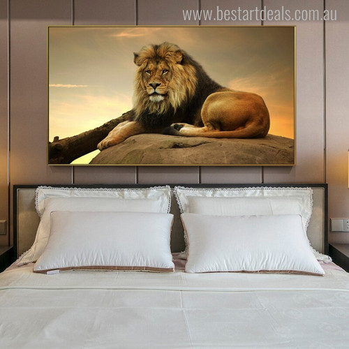Perched Lion Animal Modern Canvas Print for Bedroom Wall Garniture
