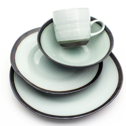 Diana 16 Piece Dinnerware Set, Service for 4