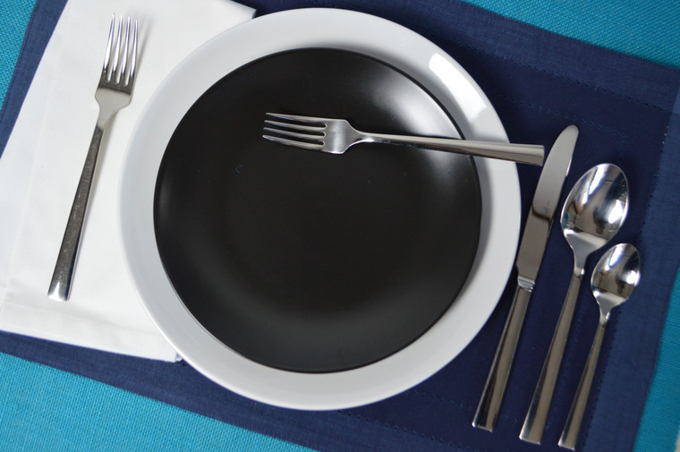 With its crisp clean lines and mirror polished finish, angled handles and 3mm thickness, Argento flatware by Euro Ceramica adds sophistication, style and radiance to your everyday dining experience.