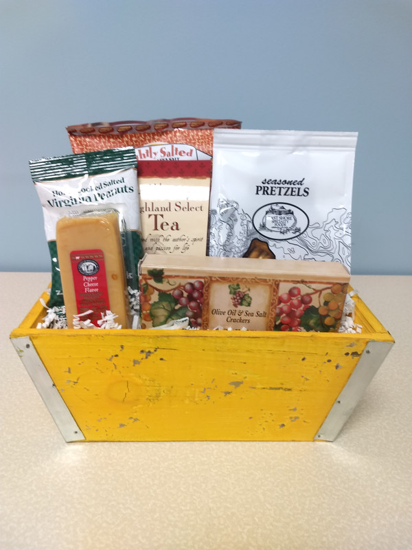 Comfort Collection Small Gift Basket