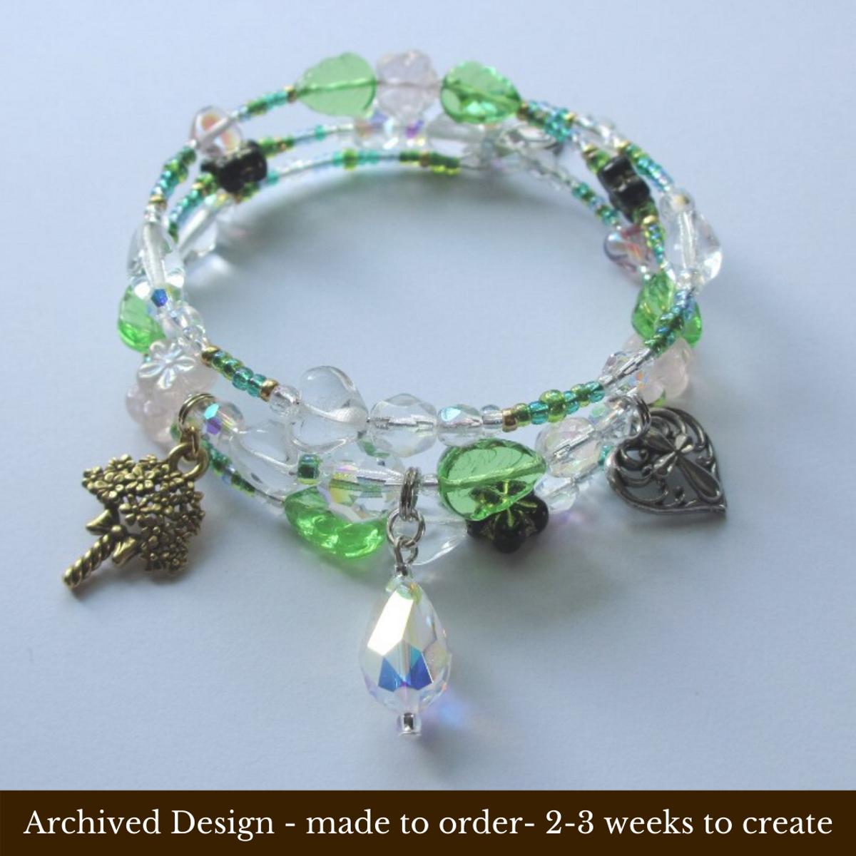 Bracelet de marguerites en cristal et émail coloré