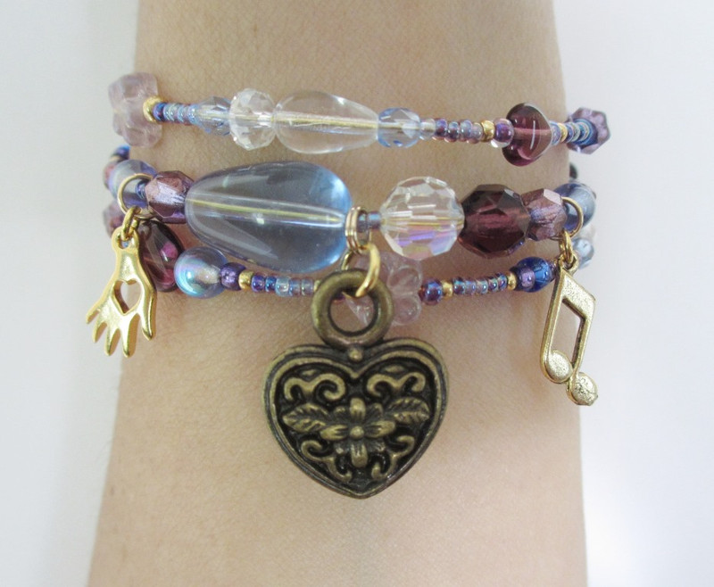 The heart breaking prayer in Act 2 of Puccini's Tosca inspires the Vissi d'arte Bracelet.