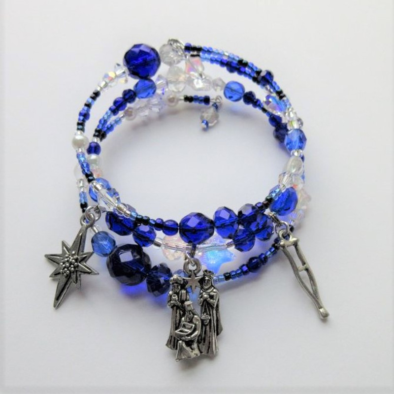 Remember the moment with the Amahl bracelet- A unique meaningful jewelry gift, perfect for any opera lover, celebrating Menoti's traditional Christmas opera.