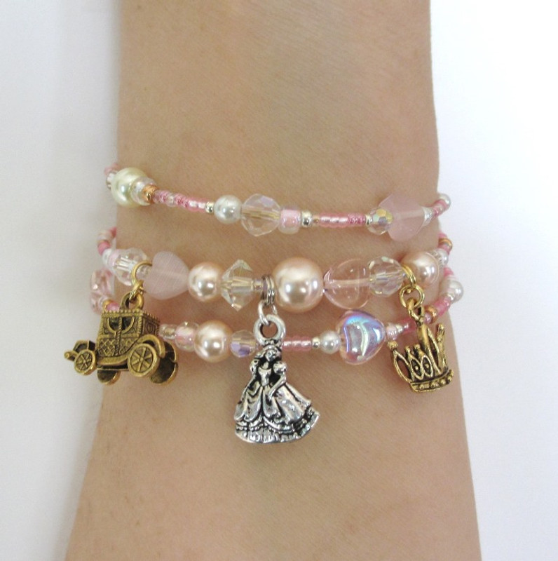 Charms include: The Royal Coach; Cinderella and her crown.