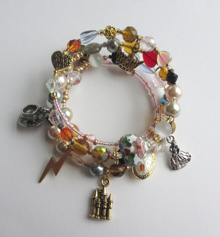 Beads and charms tell the story of Rossini's La Cenerentola.