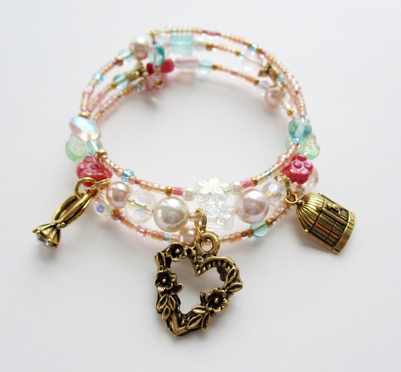 The O Mio Babbino Caro Bracelet is inspired by the opera Gianni Schicchi by Puccini.