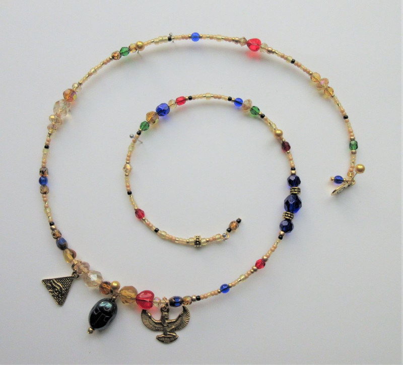The colors of the beads on this bracelet were chosen to reflect Egyptian painting on parchment or stone.