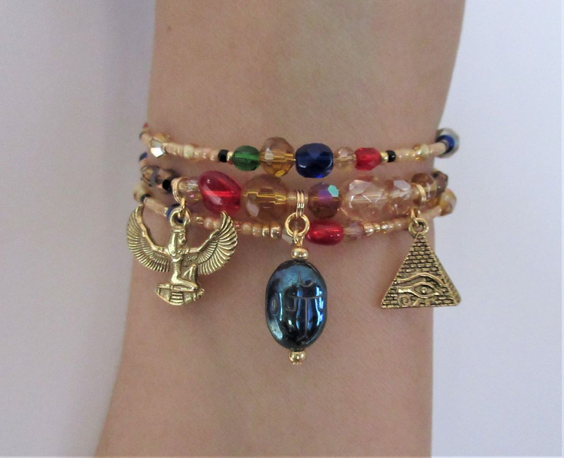 The Regal Egypt bracelet represents theme of life and death in ancient Egypt.