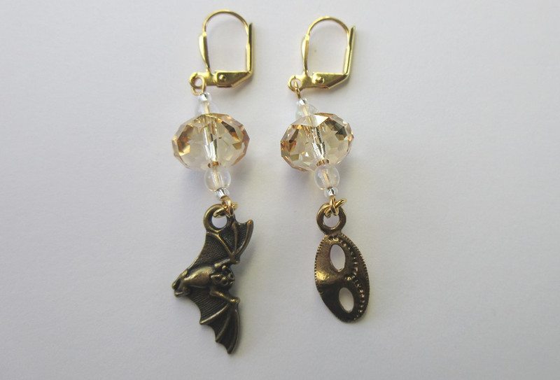 Die Fledermaus Earrings