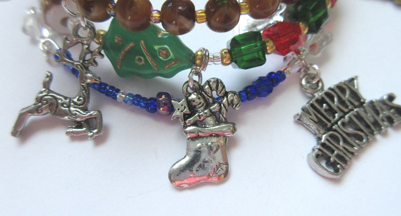Charm details of the Night Before Christmas Bracelet