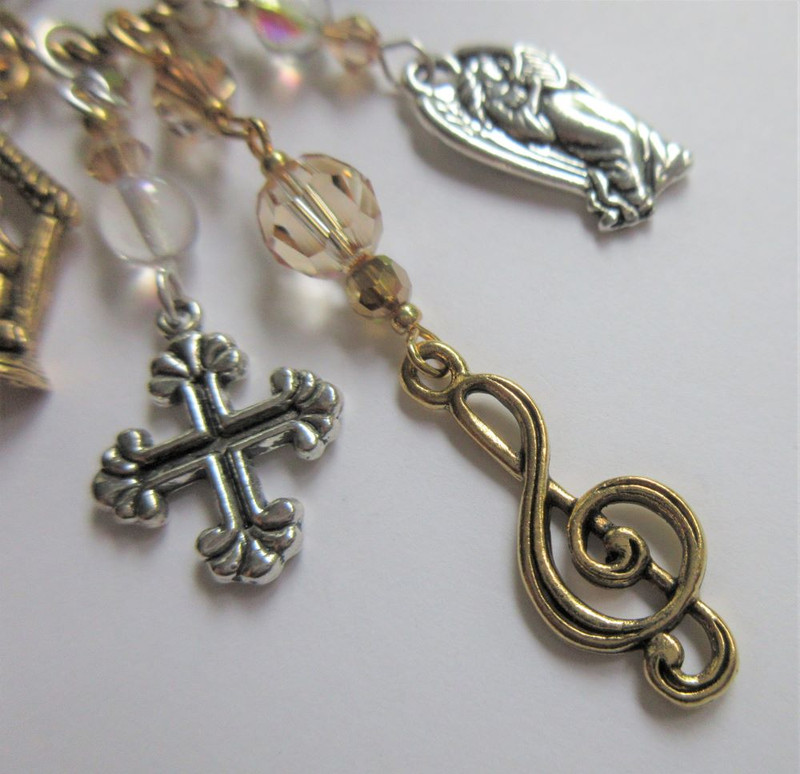 Handel Messiah Necklace detail