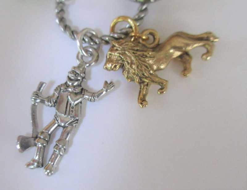 Wizard of Oz Necklace detail