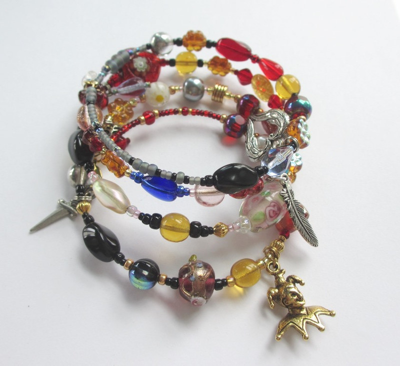 Every bead reflects a character, aria or important moment of Rigoletto.