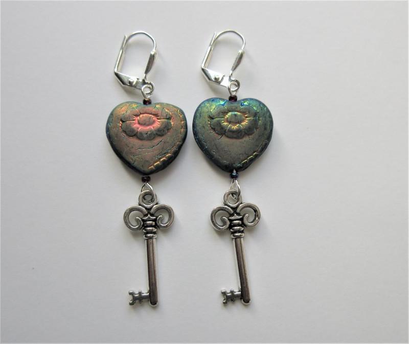 Black Heart and Skeleton Key Earrings 1